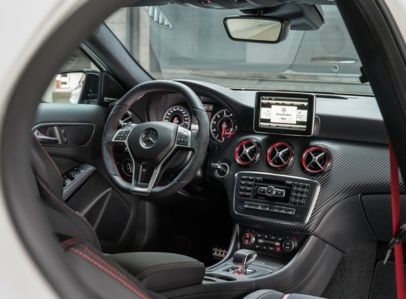 Mercedes-Benz-A45_AMG_2014 interior