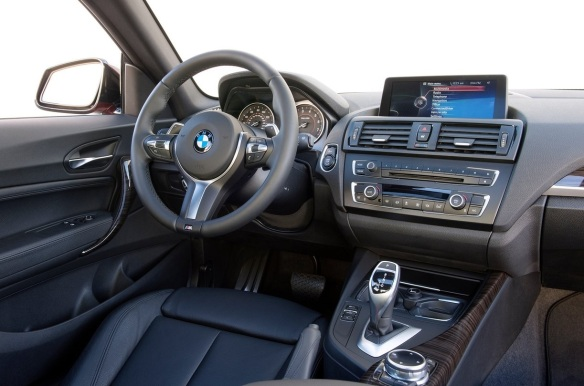 BMW-M235i_Coupe_2014_interior
