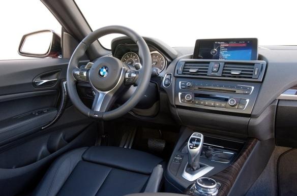 BMW-M235i_Coupe_2014_interior